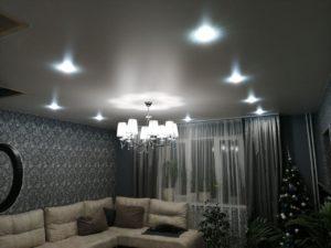 Натяжной потолок гостинная в Рыбинске